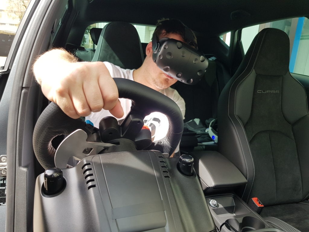 Virtual Reality in Auto Seat Cupra R eingebaut für Kunde ASAG Basel