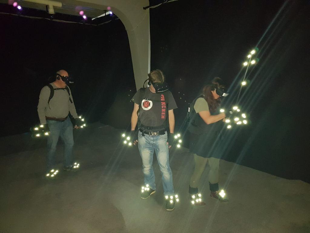 Explorer Gruppe während ihres Abenteuers